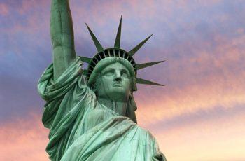 1100 t napi alapanyagfelhasználás, mely 5 Szabadság-szobornak felel meg