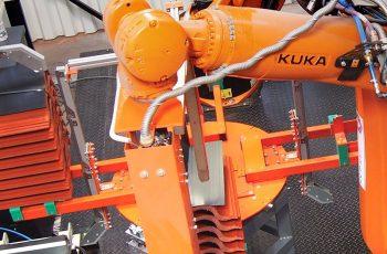 2017-től gyárainkban robottechnológiát is alkalmazunk